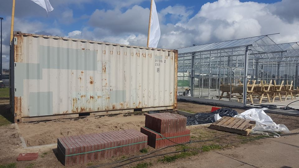 container rainproof